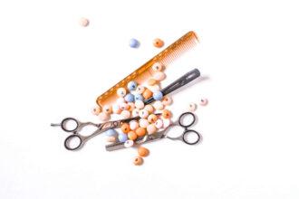 artystyczne zdjęcie nożyczek fryzjerskich
